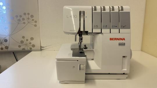 Vorführmaschine: Bernina L450 DE Overlock-Nähmaschine 220/230V